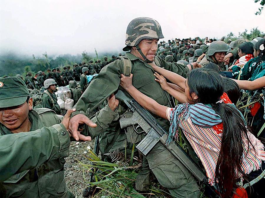 Chiapas 1998, © Pedro Valtierra